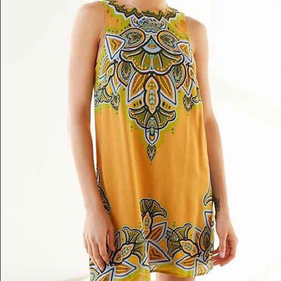 3df7260ab59e URBAN OUTFITTERS Ecote yellow frock dress